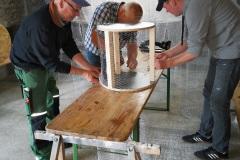Streuobstwiese: Bau der Wühlmauskörbe